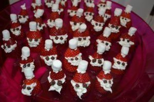 strawberry santas with marshmallow hats