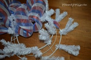 how to make a july 4th deco mesh wreath