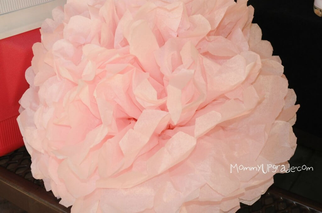 how to make pom poms from tissue paper