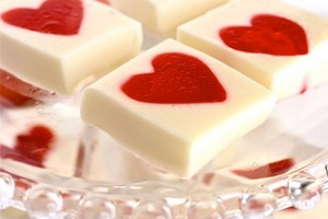 the hungry housewife jello hearts