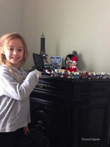 elf with smurfs1