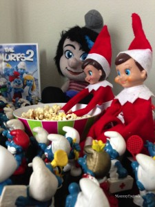 elf with smurfs2