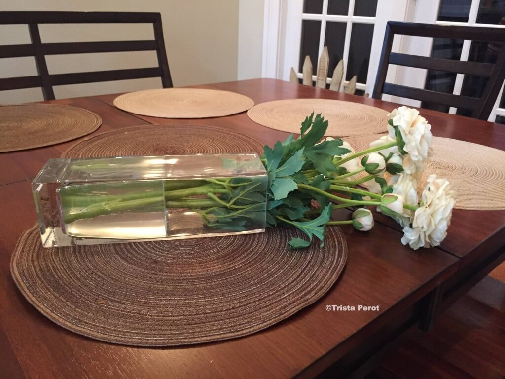 Image Led Make Elegant Centerpieces Using Distilled Water And Silk Flowers Step 10