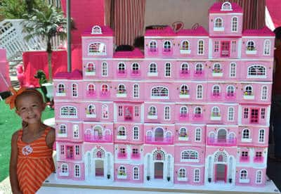 Fun at the barbie is moving tour for Build dream home online for fun