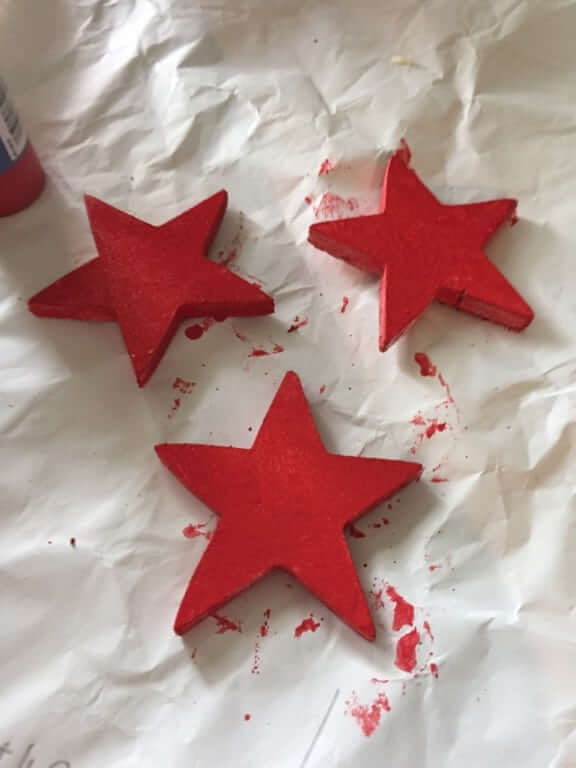 painting red stars