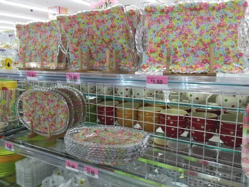 sweet floral trays from DAISO