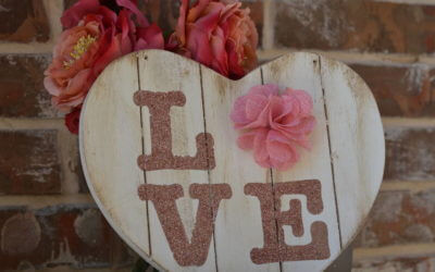 DIY Shabby Chic Love Sign