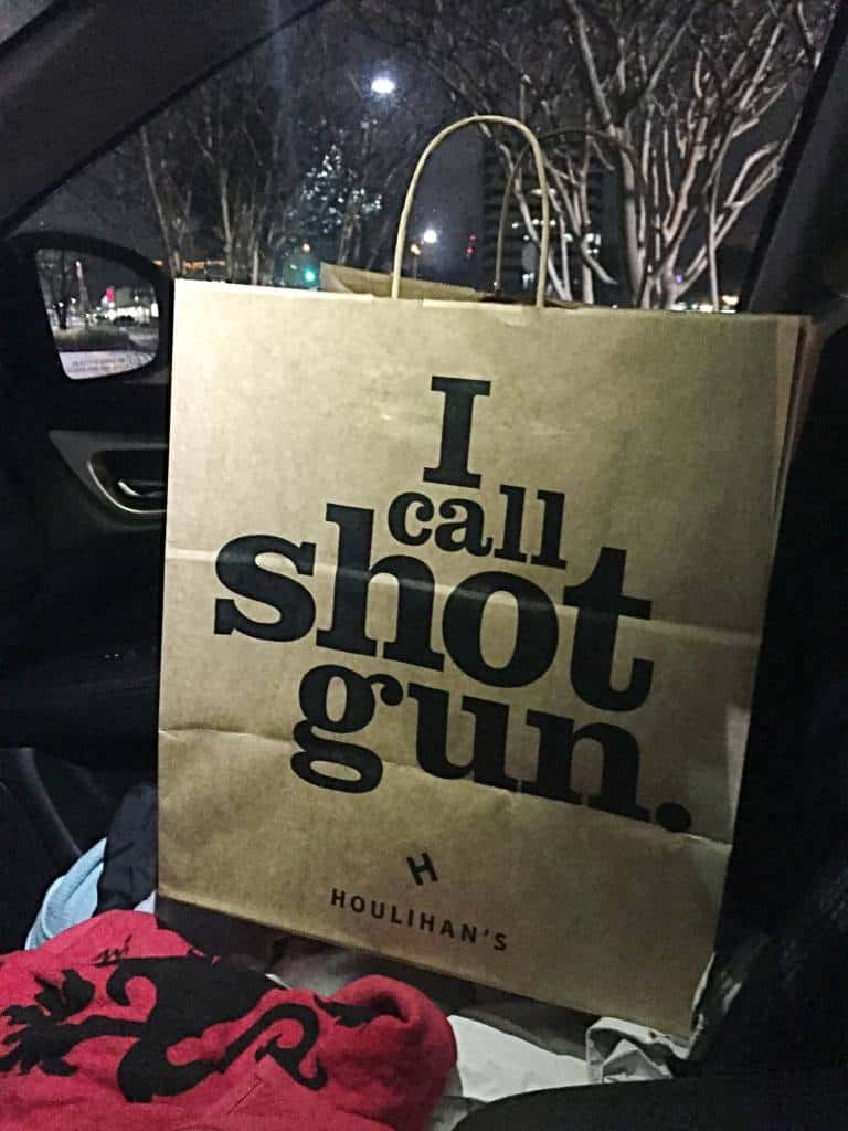 houlihan's take out bag