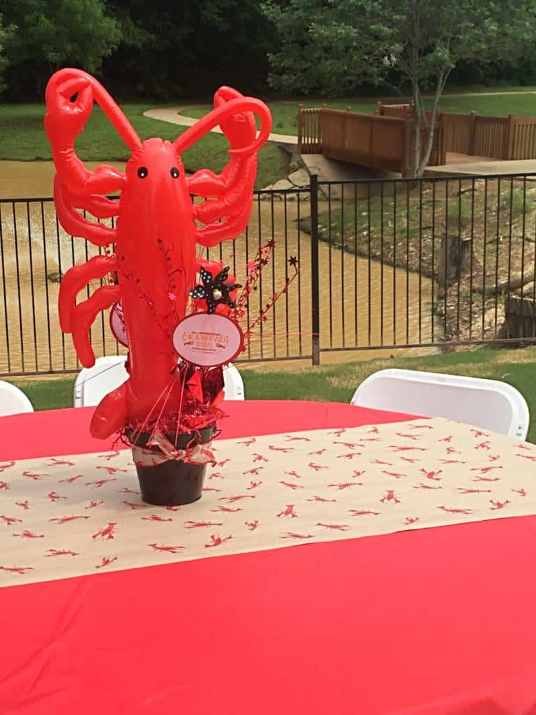 Astounding How To Make Crawfish Boil Table Centerpieces Mommy Upgrade Interior Design Ideas Inesswwsoteloinfo