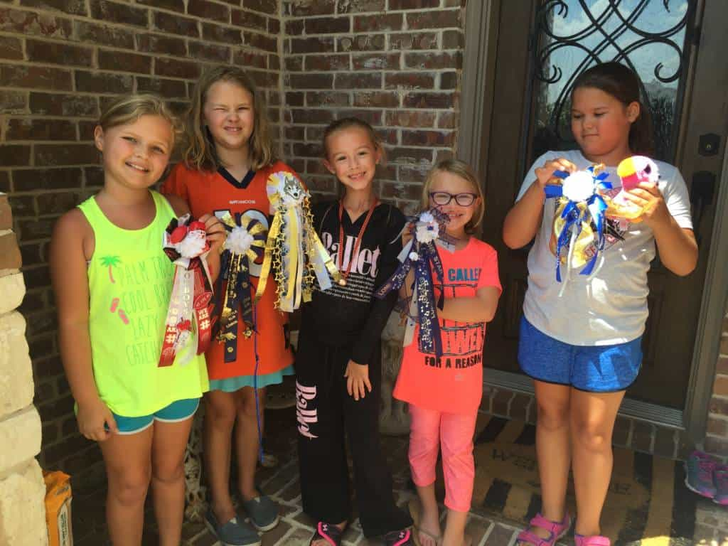 girl scouts making mums
