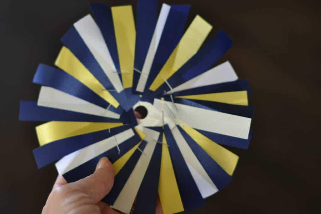 background disk with ribbons for homecoming mum