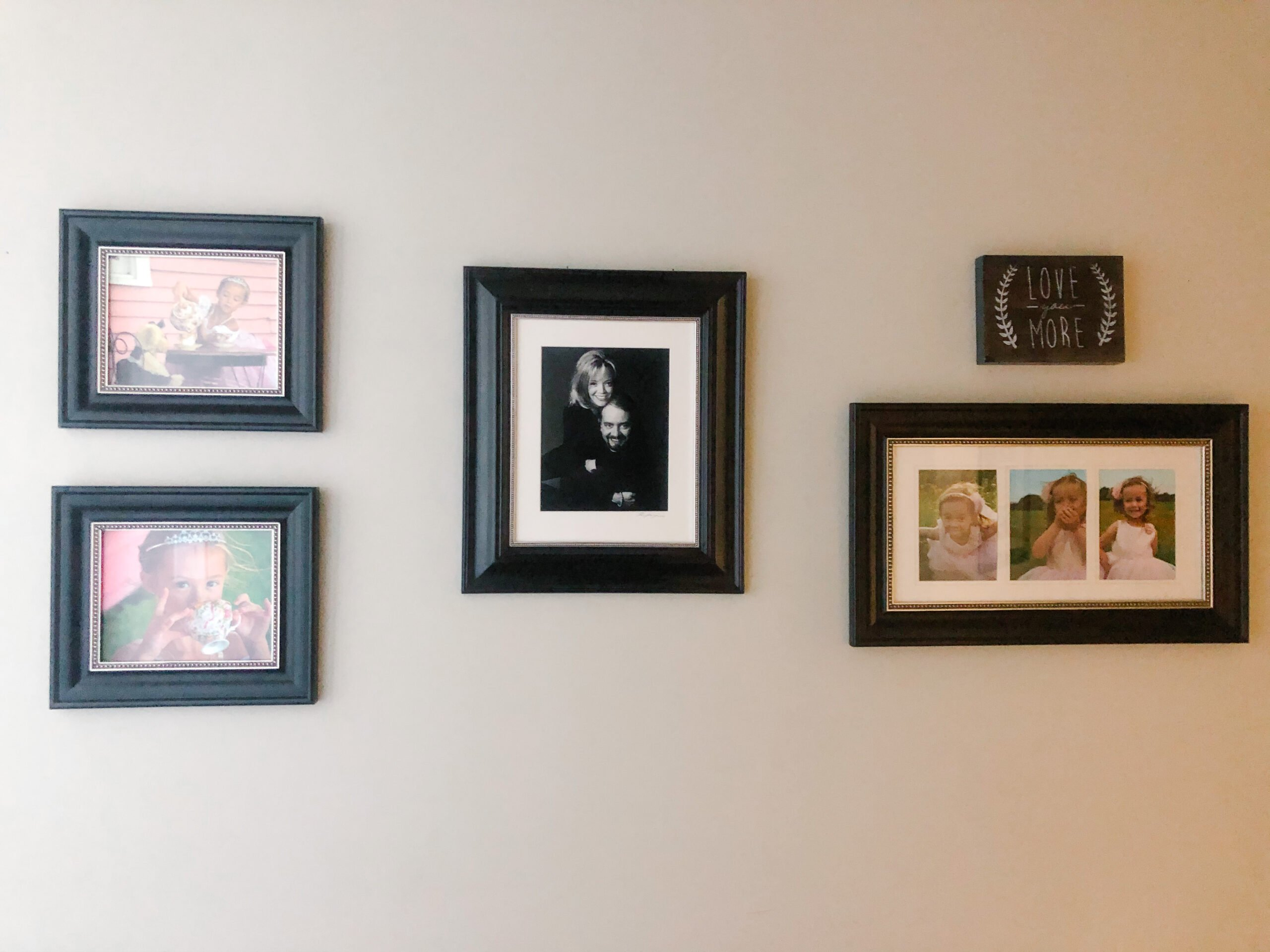 photo gallery wall - different sizes